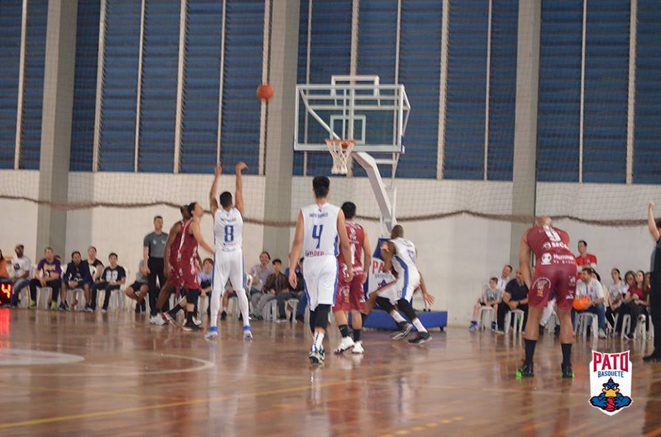 estreia pato basquete